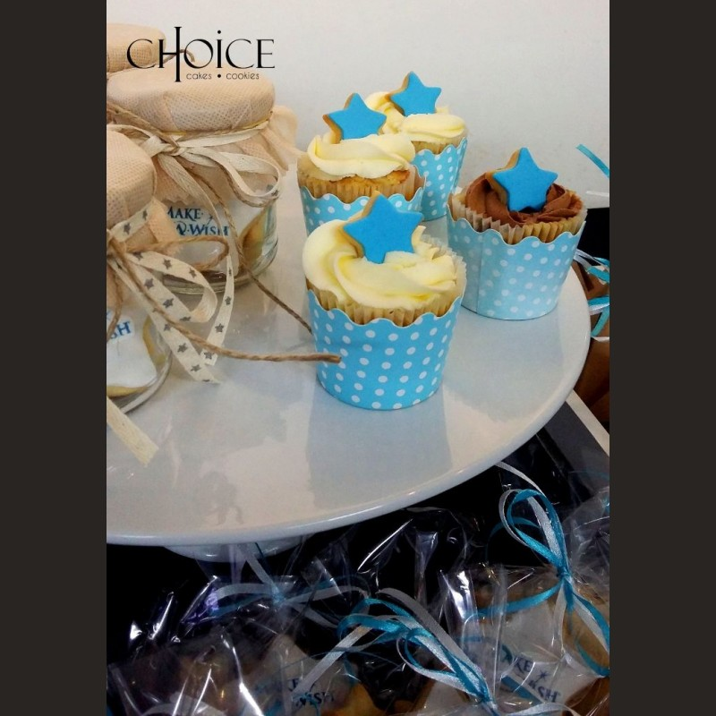 Cupcakes με topper μπισκότο